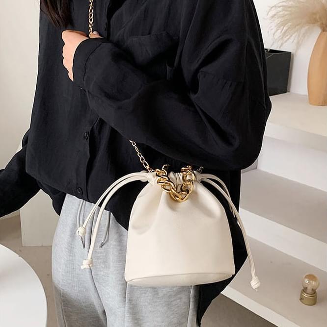 Chain bokjori shoulder bag