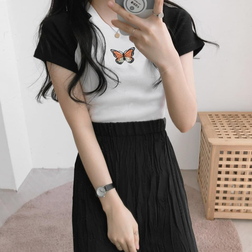 Butterfly embroidery cropped short-sleeved T-shirt