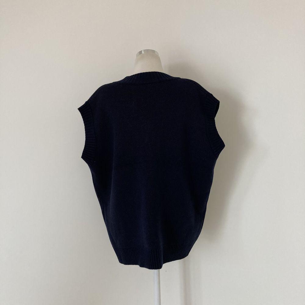 Boxy-fit long vest