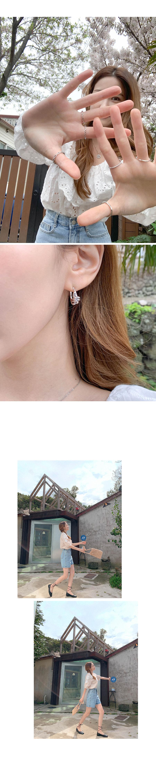 Soft twist silver earrings
