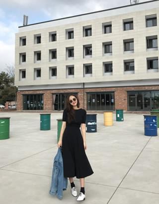 韓國空運 - Lulu Black Band Dress 及膝洋裝