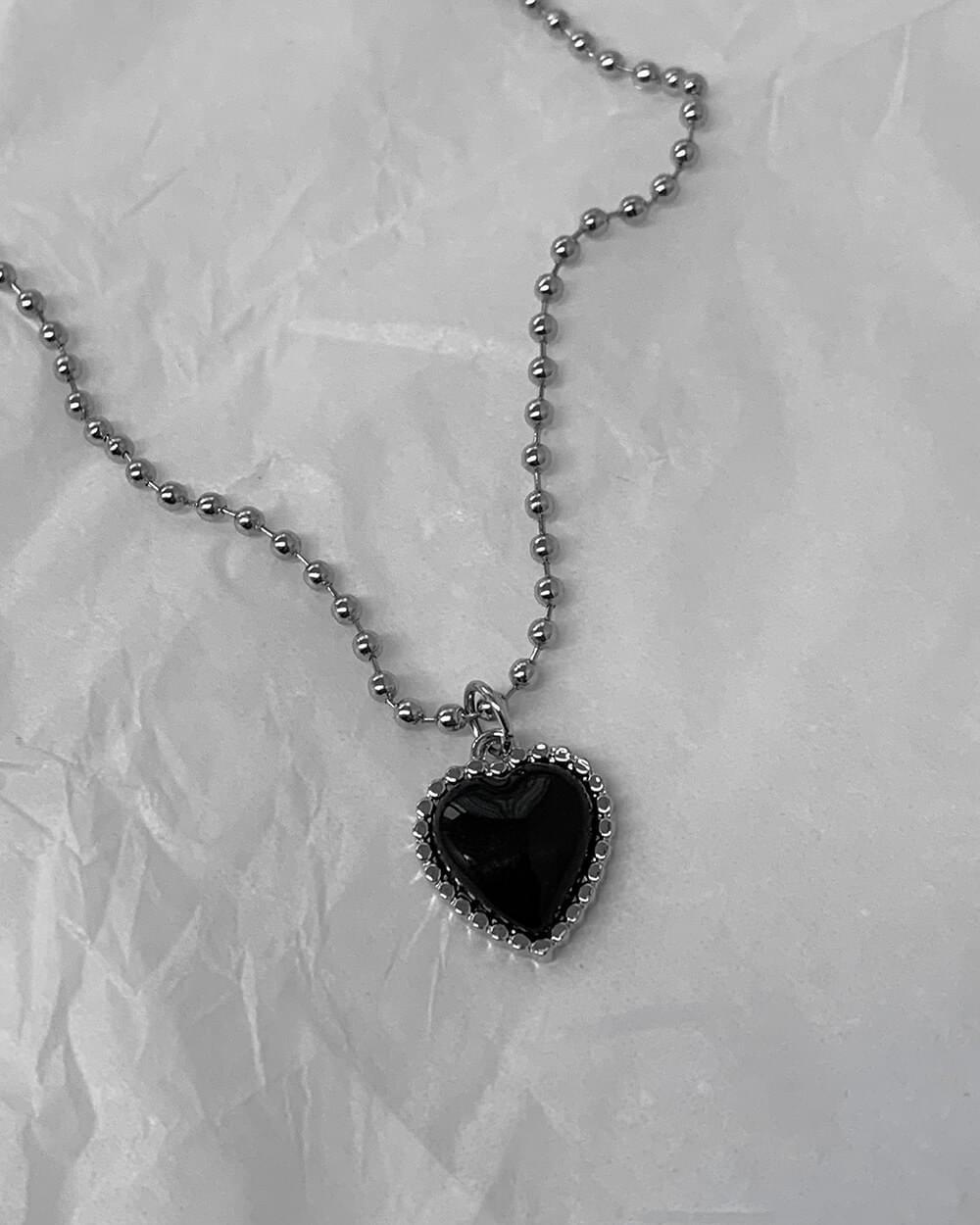復古黑色愛心圓珠項鍊