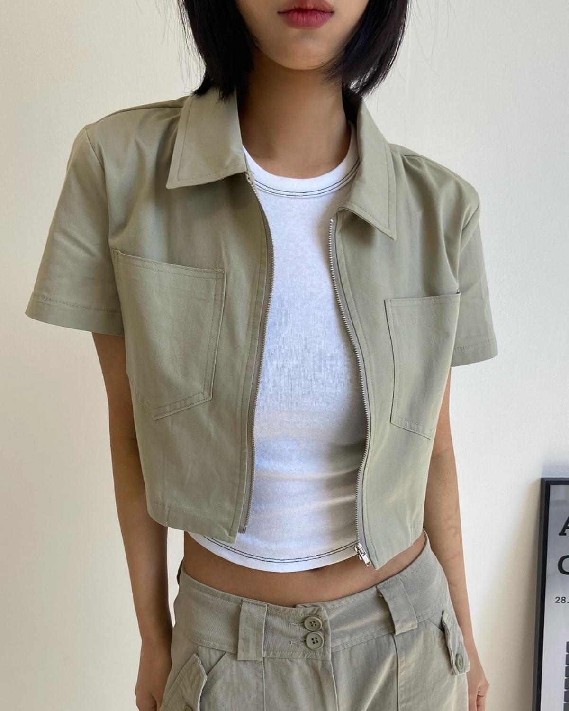 Cargo zip-up cropped shirt