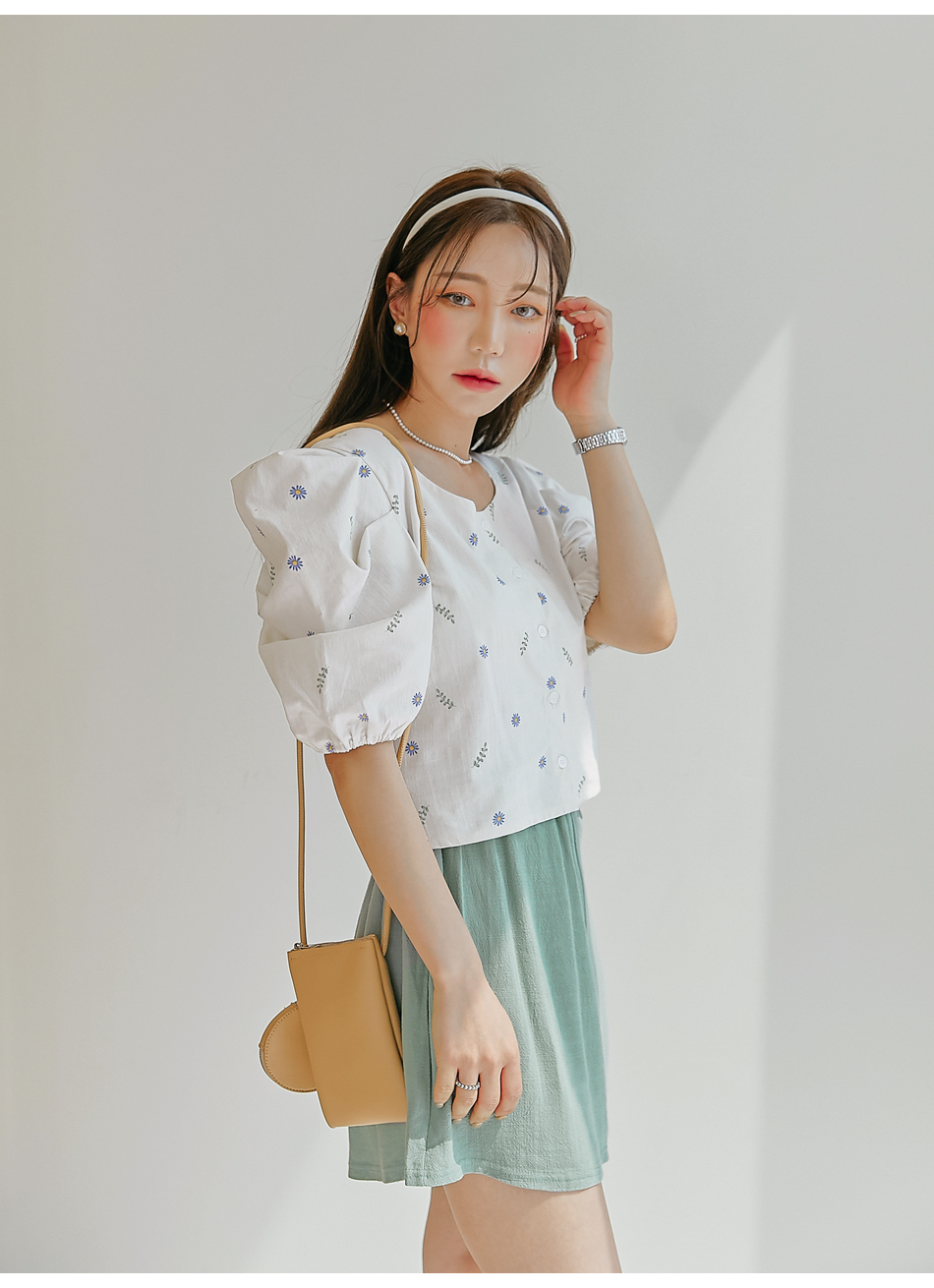 Puff Sleeve Floral Boxy Blouse
