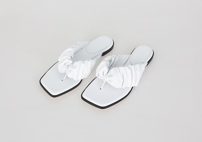 Volume Shirring Flip-Flop