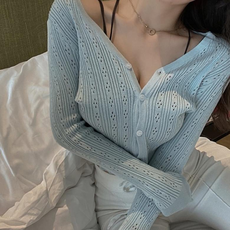 韓國空運 - V Neck Knitwear Punching Slim Cardigan 針織外套