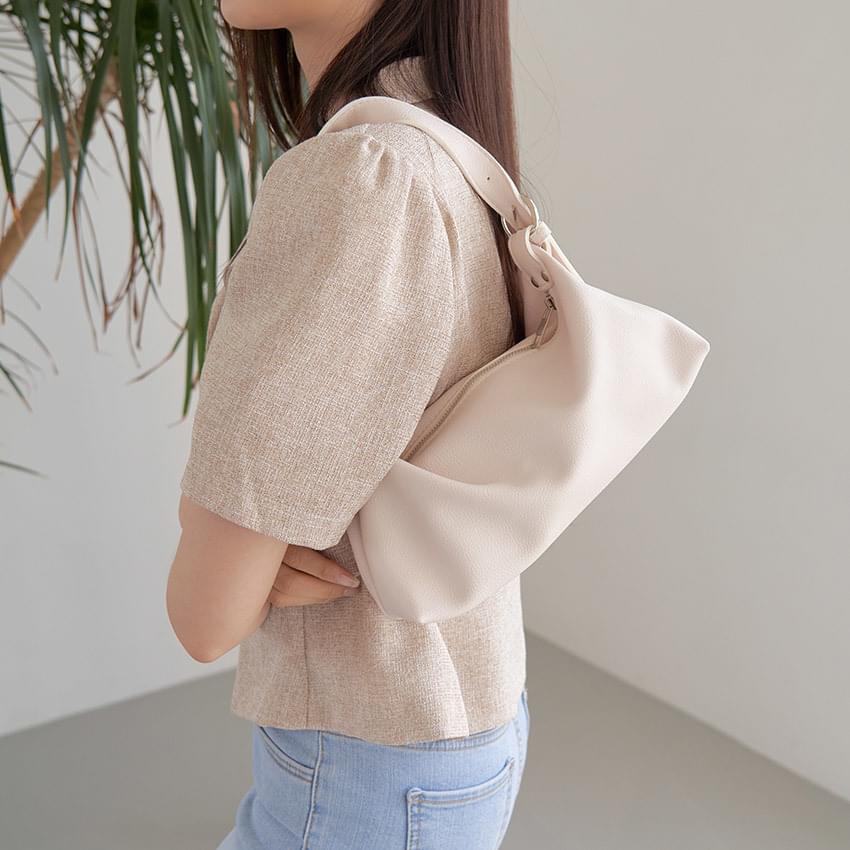 The kit shoulder bag