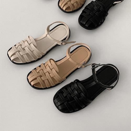 Pony Star Strap Sandals