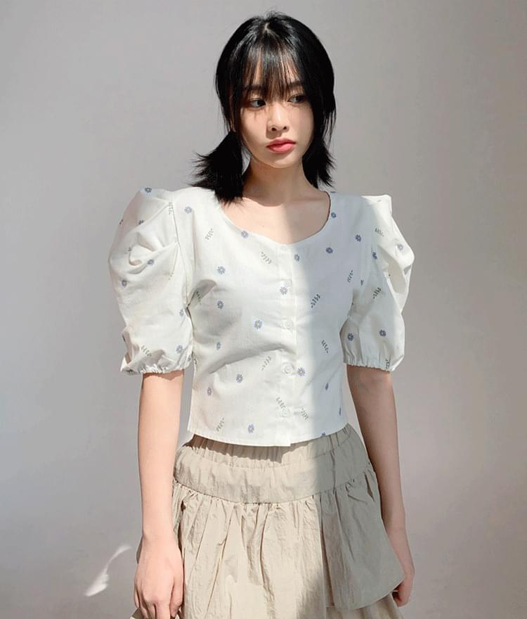 Floral Button-Up Crop Blouse