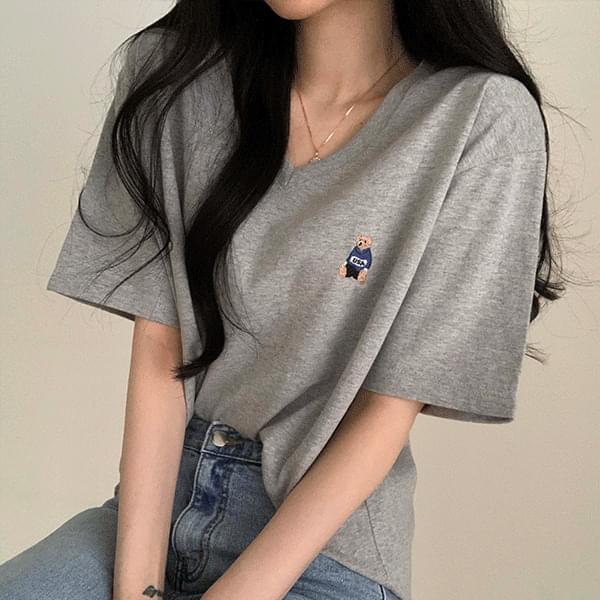 V-Neck bare patch short-sleeved tee