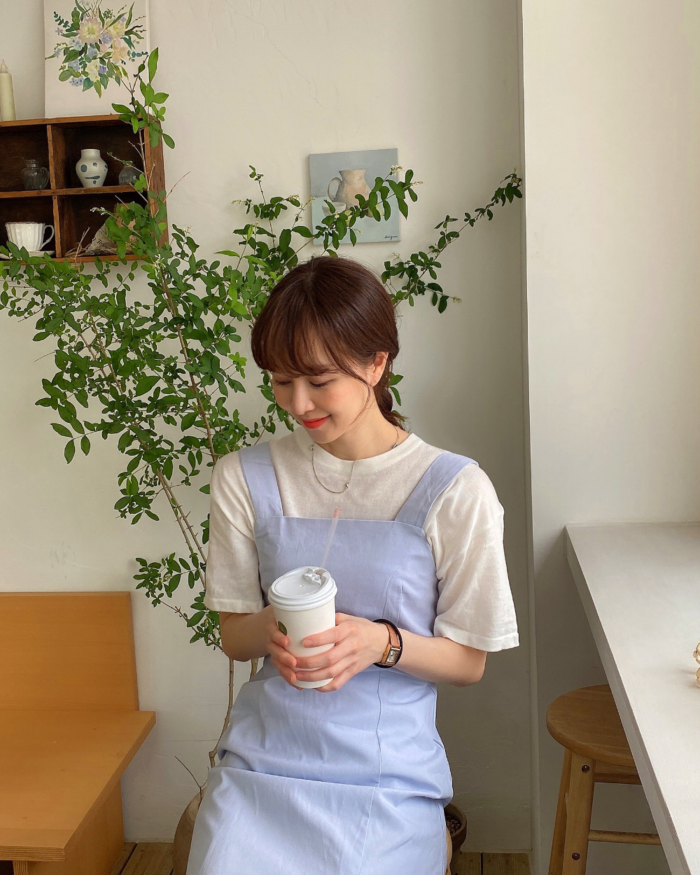 반팔 티셔츠 모델 착용 이미지-S1L46