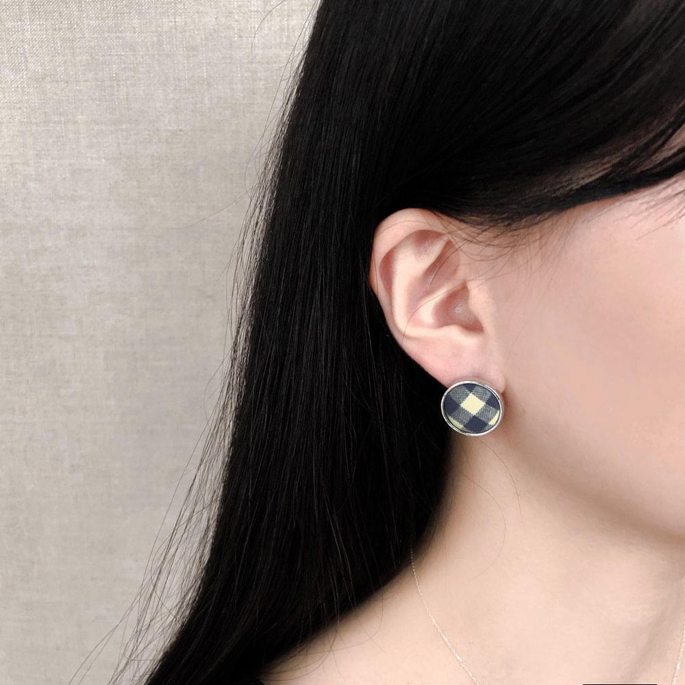 323 dongle check earrings