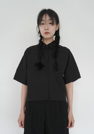 compact half sleeve shirt