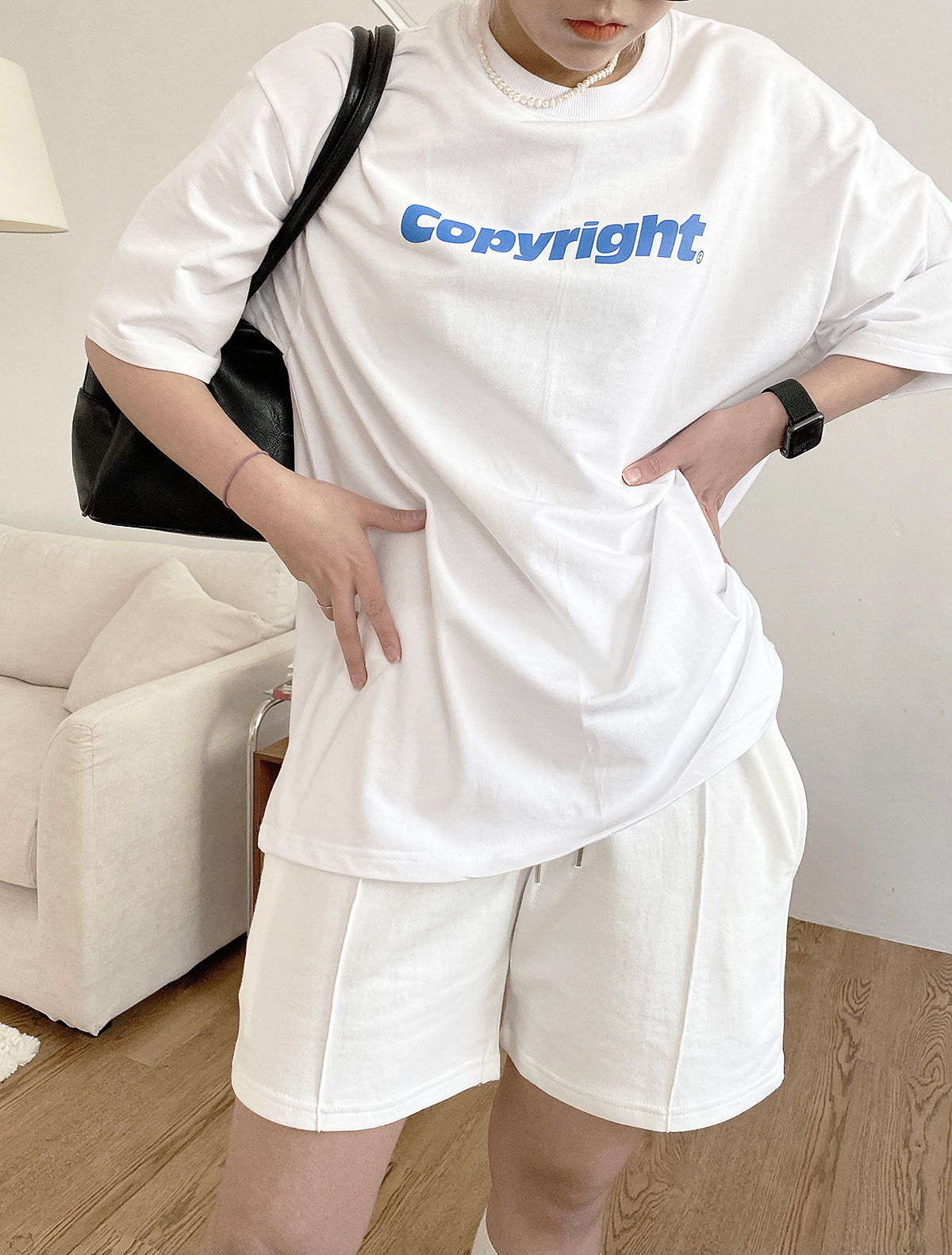 반팔 티셔츠 모델 착용 이미지-S1L24