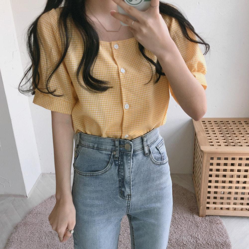 Yogurt square-neck check short-sleeved blouse