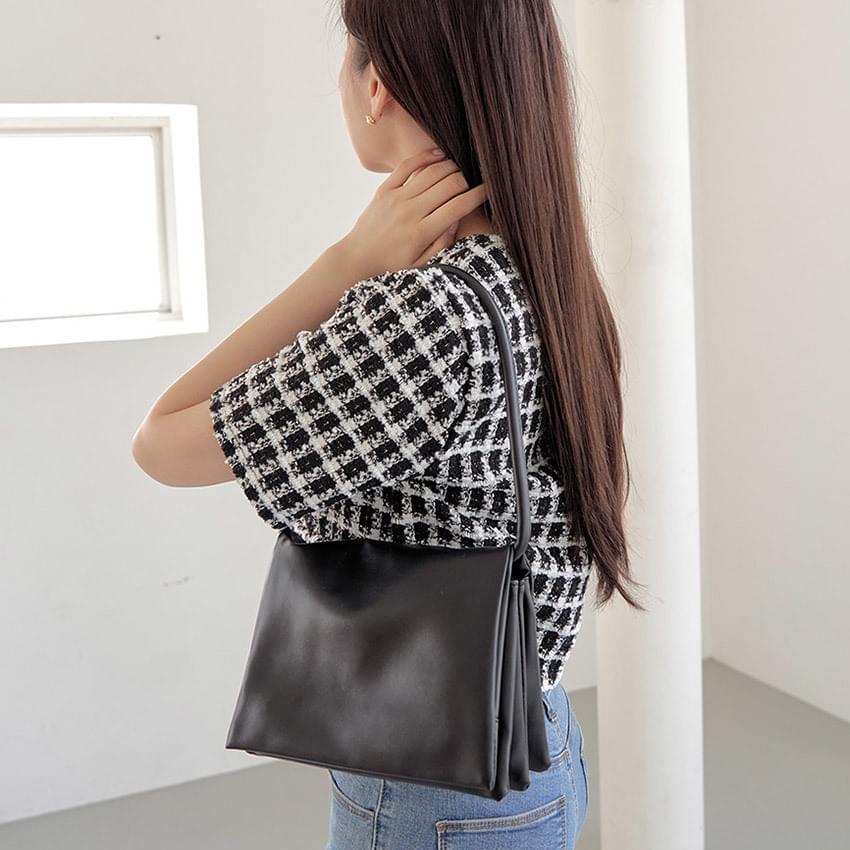 Soft square accordion bag
