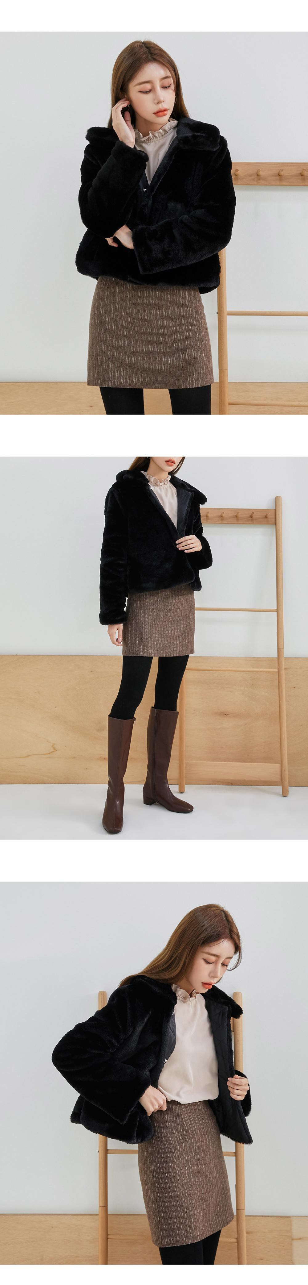 accessories model image-S1L8