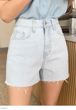The long-awaited Light Blue denim shorts