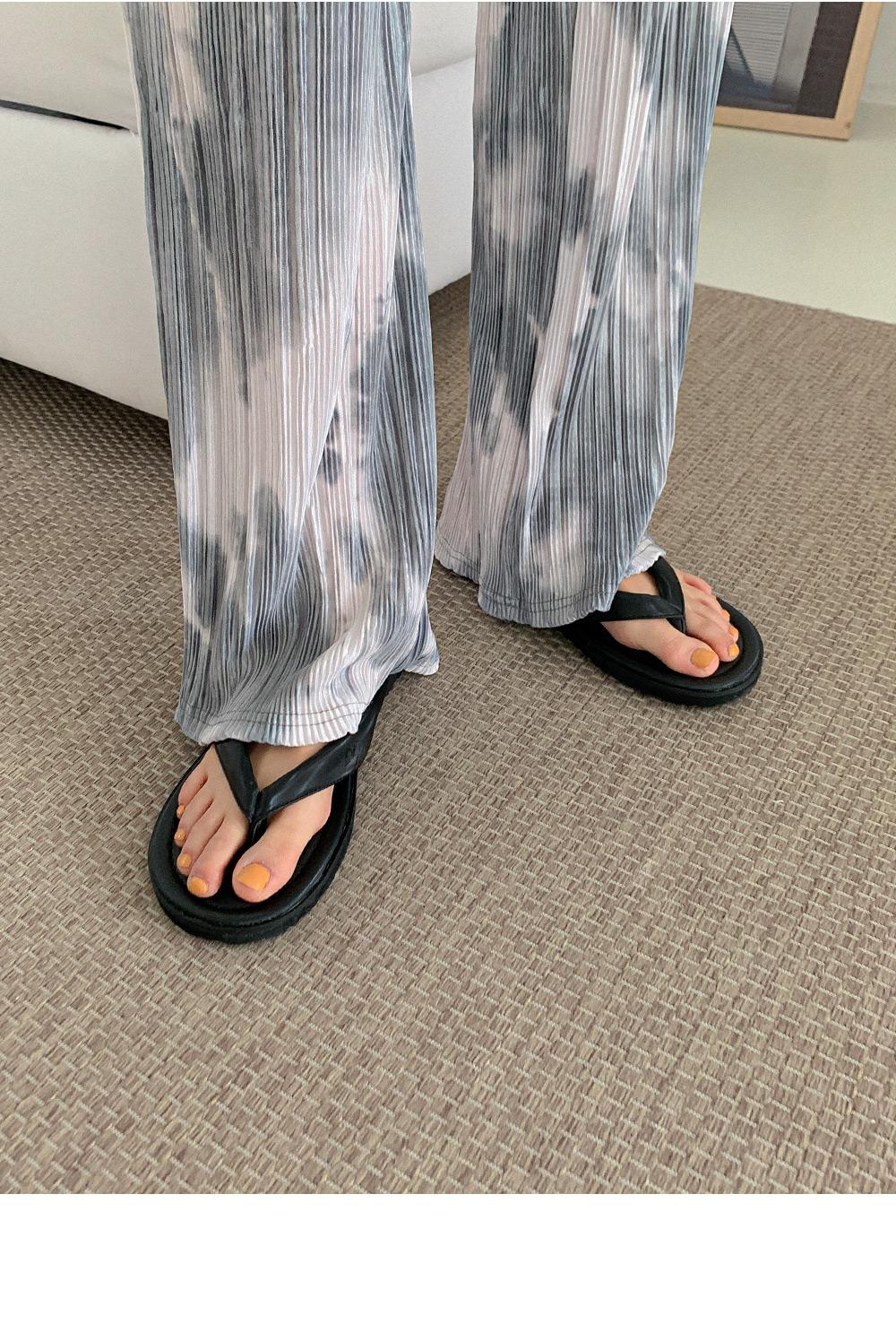Wale flip flops