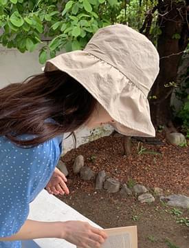 Ruffled cotton bucket hat