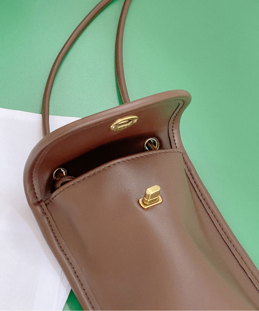 bag detail image-S1L2