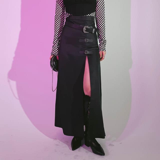 Buckled split long skirt