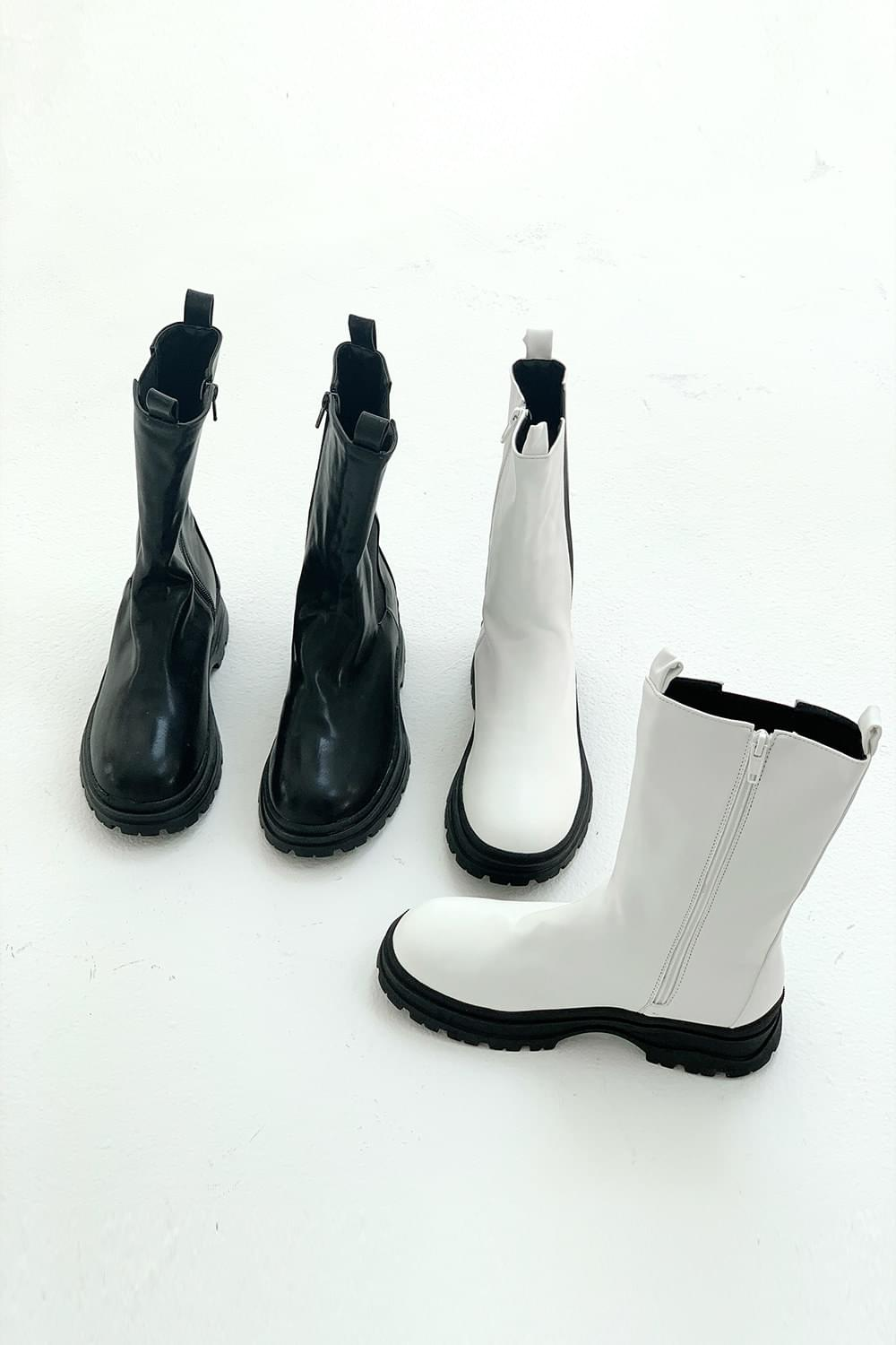 Round middle Boots