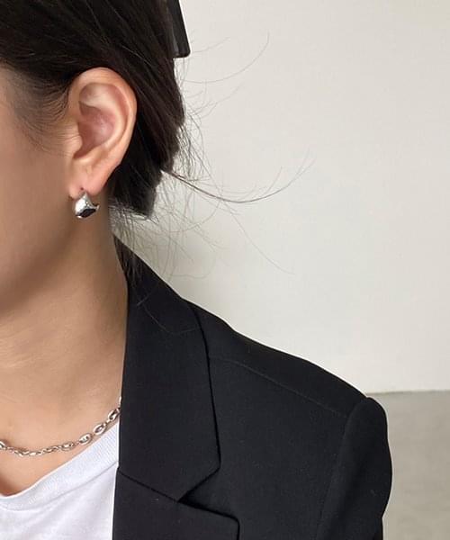contort earring