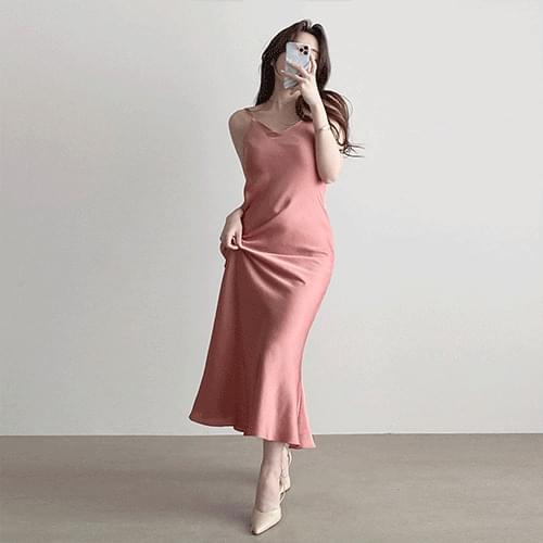 Kanadaran Silky Shatin Strap Sleeveless Slip Dress 3color