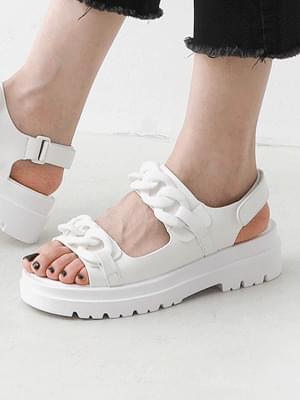 Isshu big chain embellished two strap full heel sandals 10966