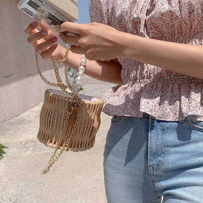 Magical Charm Pearl Bag