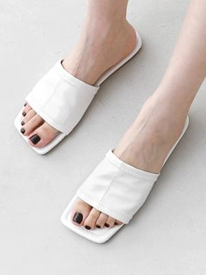 Zigzag Stitch Wide Strap Slippers 10971