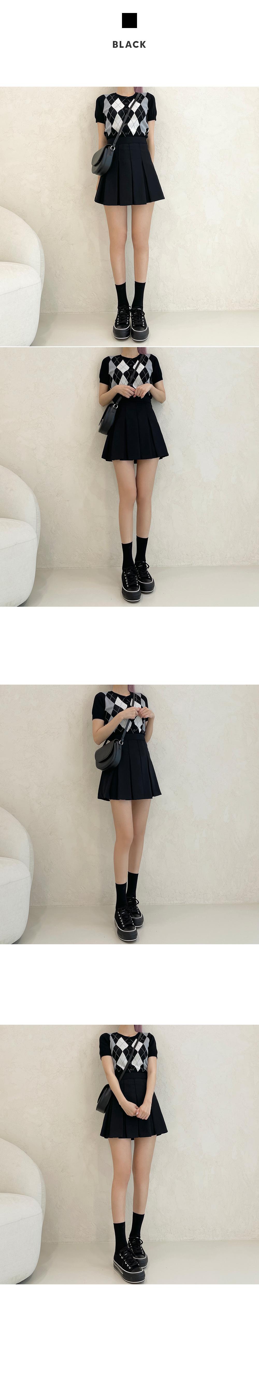 Day pleated mini skirt