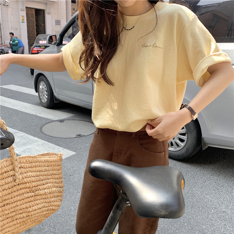 반팔 티셔츠 모델 착용 이미지-S1L33