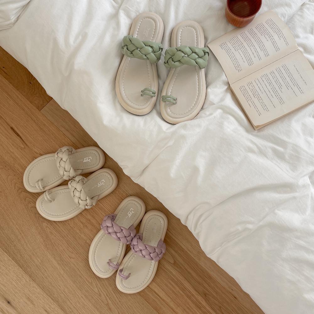 Instep twist thumb split heel slippers