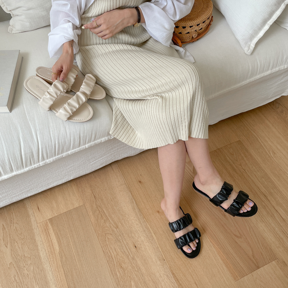 Shirred two-strap slippers