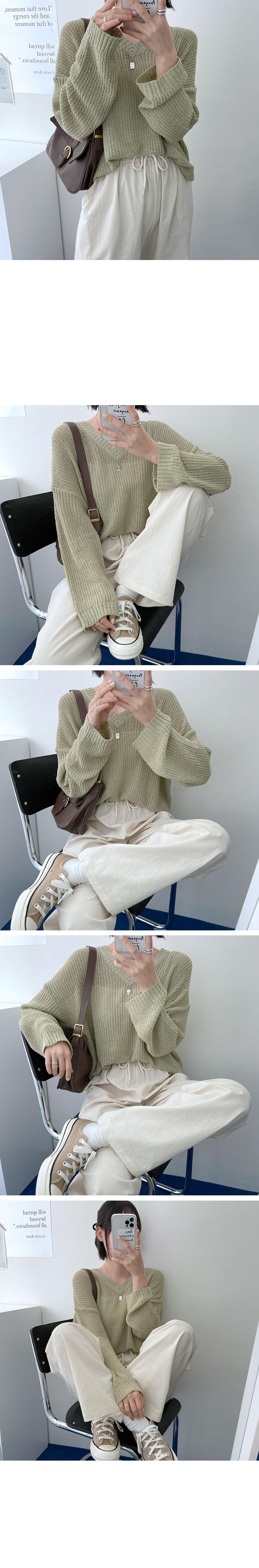Chewing Booklet Side Split V-Neck Knitwear
