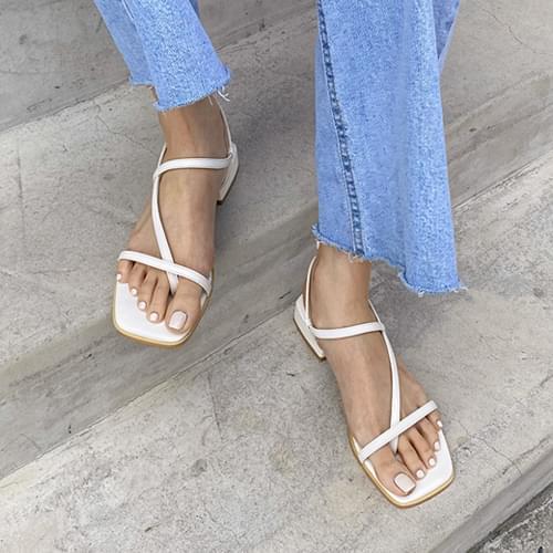 Brida strap sandals