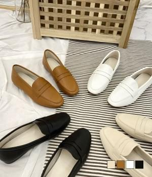 Simple soft loafers