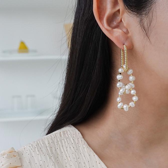 Gold freshwater pearl drop earrings