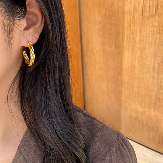 Gold Twisted Ring Earrings