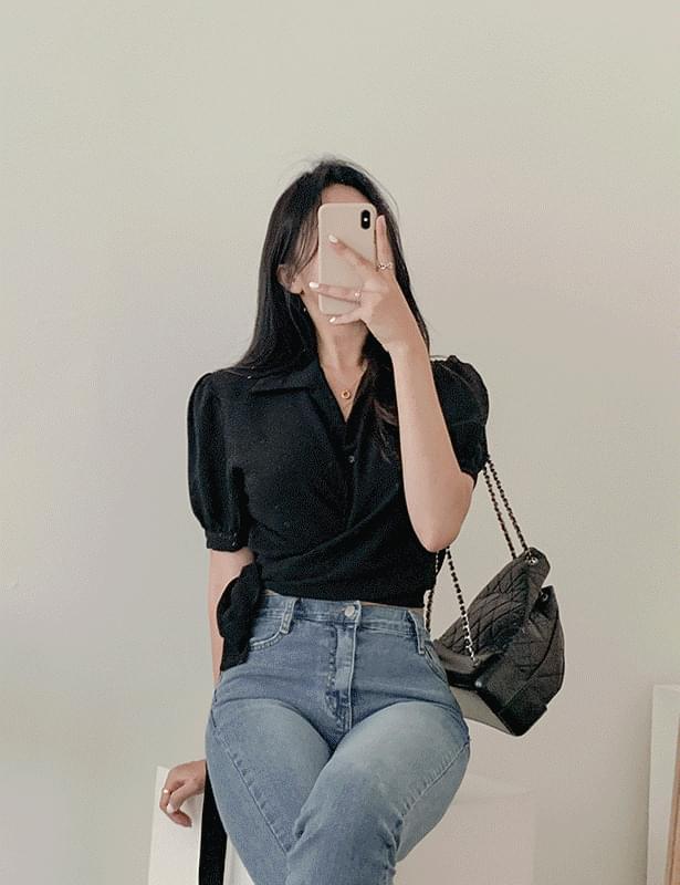 Drawpin collar short sleeve blouse