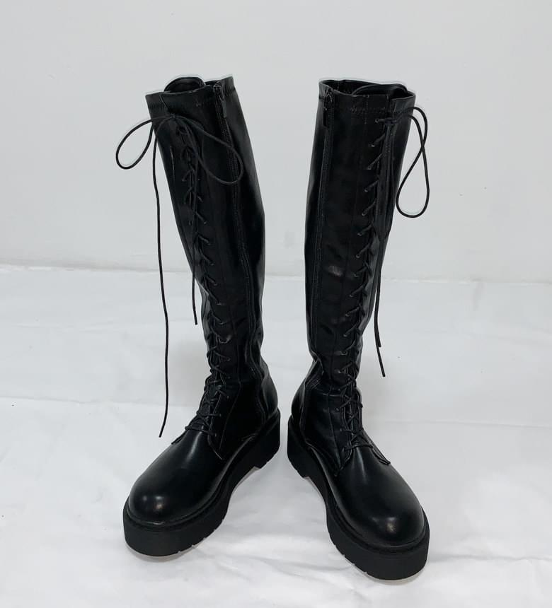Martin full-heeled lace-up long walker boots