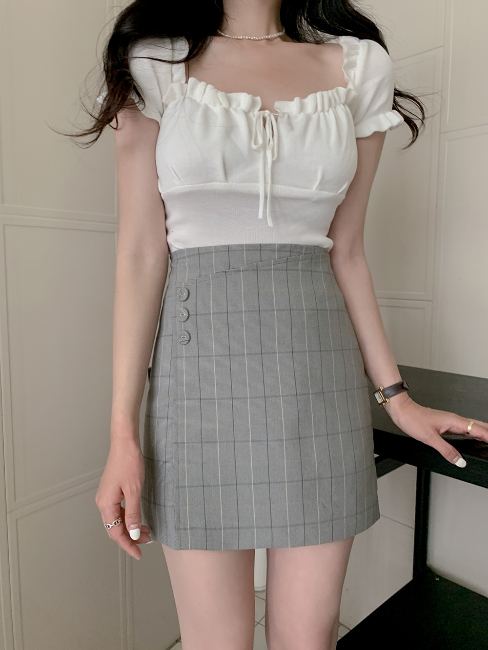 Die-ring check button wrap skirt