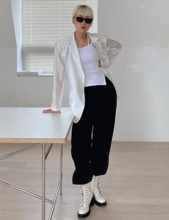 Slim cross sleeveless