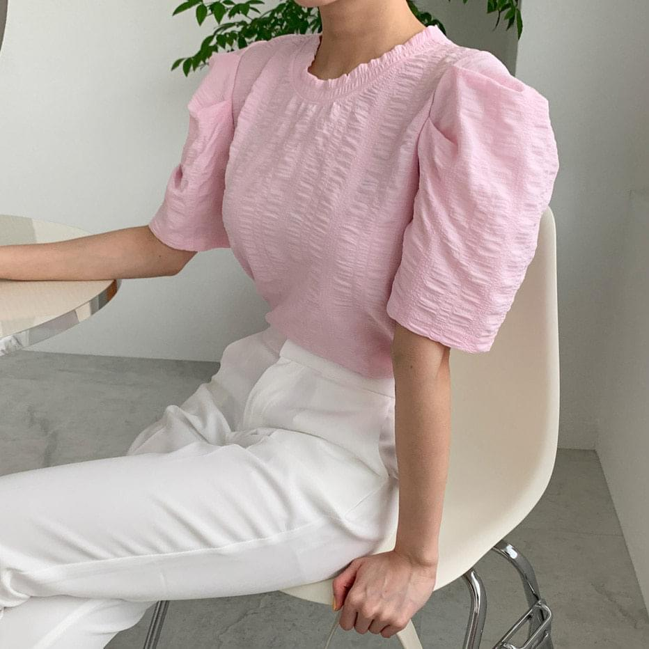 Mellow puff-sleeve short-sleeved blouse