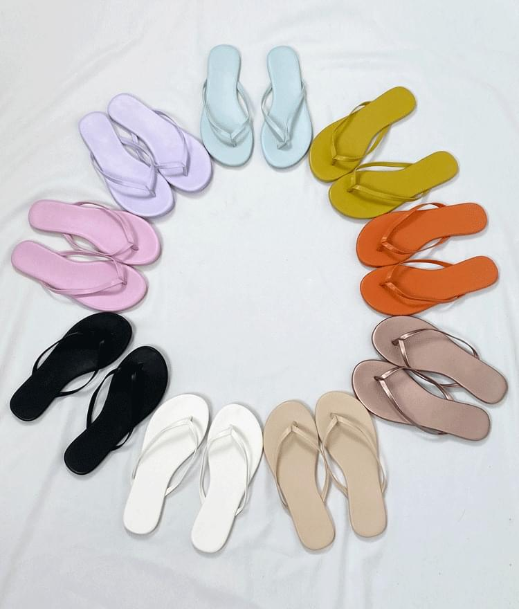 Single Tone Leatherette Flip Flops