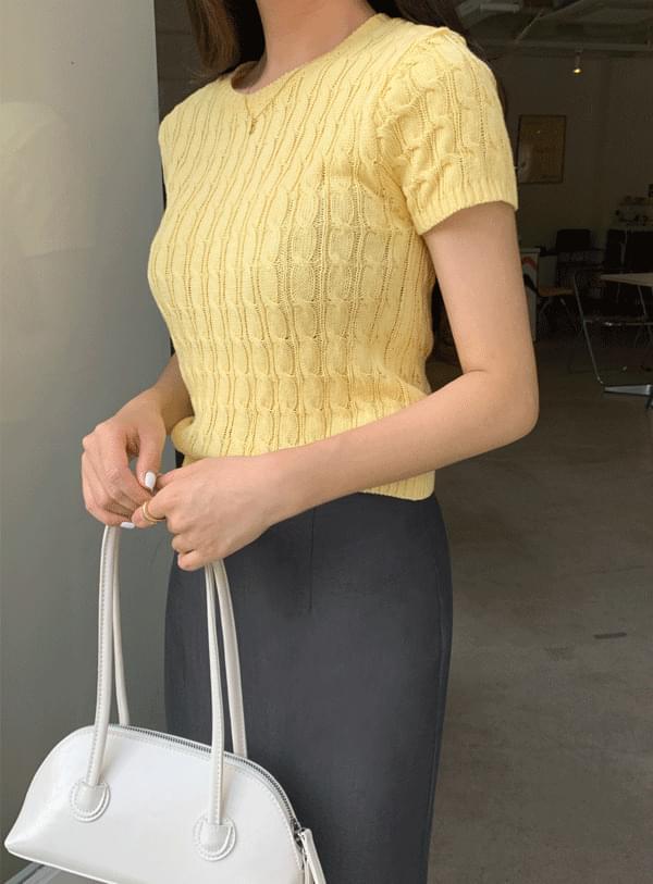 Twisted Short Sleeve Knitwear