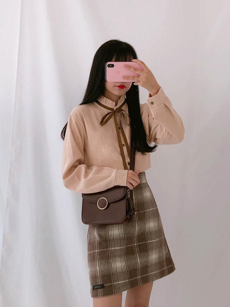 Goldden mini-wavy blouse