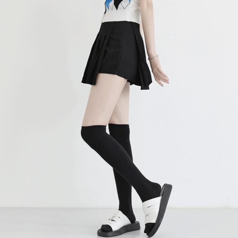 Door pleated skirt trousers